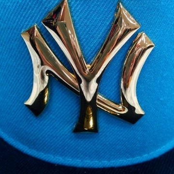 Кепка NY YANKEES металлическое лого