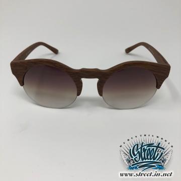 Очки солнцезащитные с дымчатым стеклом и деревянной оправой